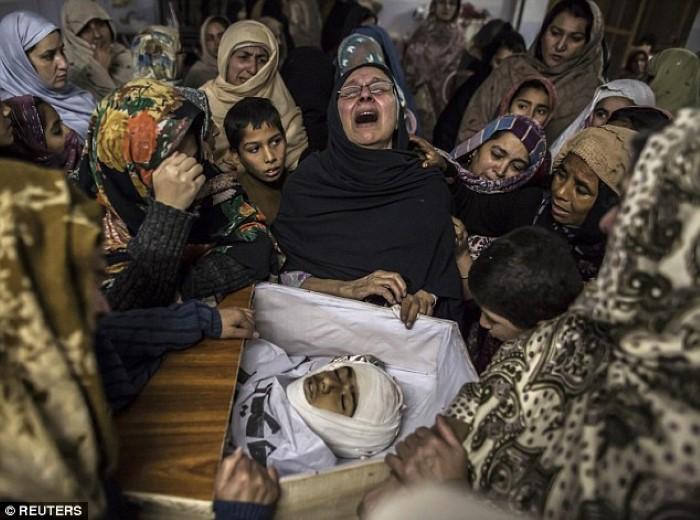 مجزرة بيشارو في باكستان أطفال مدرسة قتل