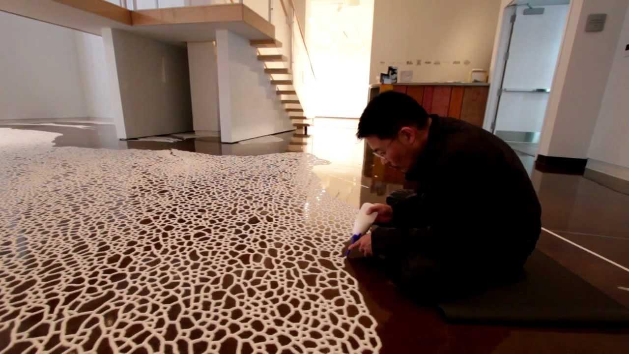 صور + فيديو : فن الرسم بالملح !!