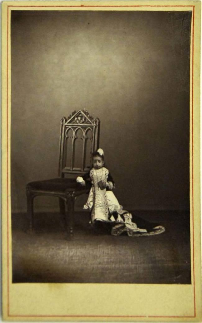 أصغر امرأة في العالم