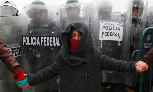 طفل في مظاهرات المكسيك