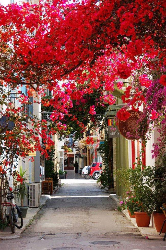 نافبليون، اليونان