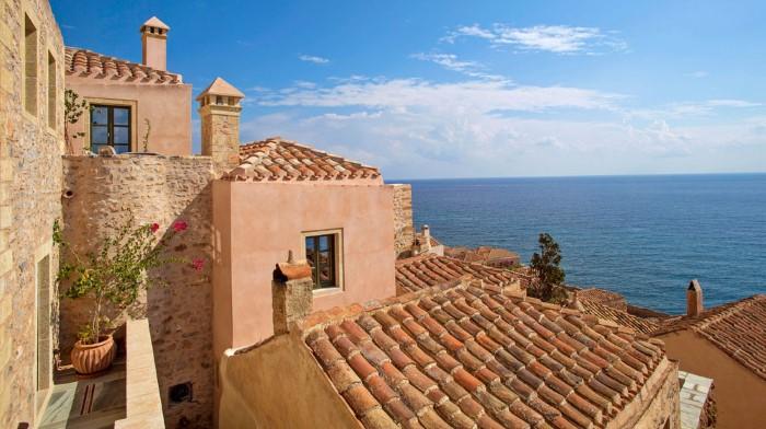 سياحة في جزيرة تقع في اليونان