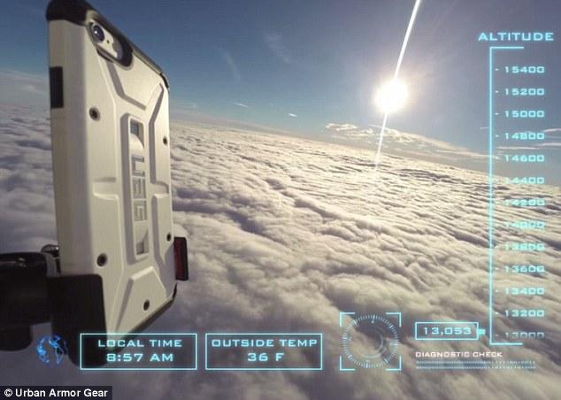 اسقاط آيفون 6 من الفضاء