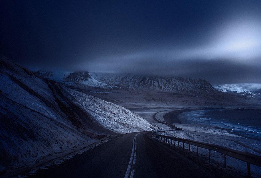طريق غامض