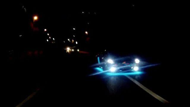 super_cars_light_up_the_night_640_09