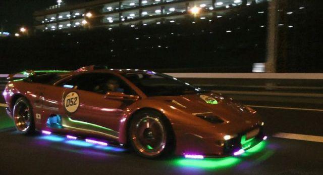 super_cars_light_up_the_night_640_11