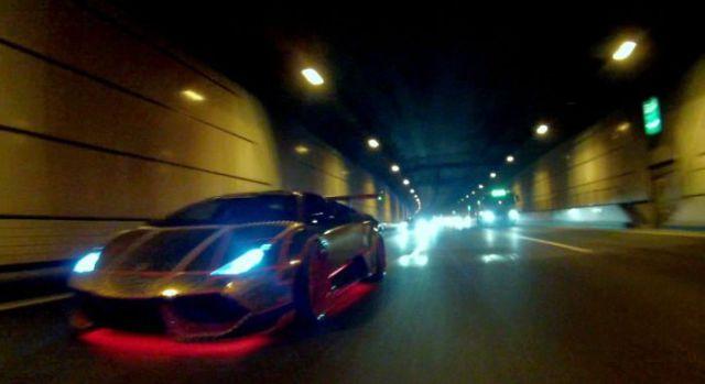 super_cars_light_up_the_night_640_12