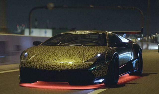 super_cars_light_up_the_night_640_20