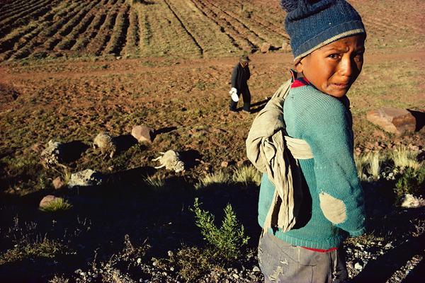 صور طفل فقير