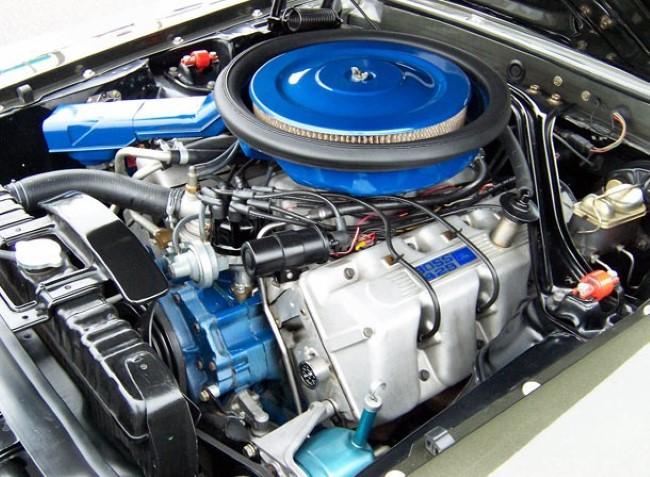 محرك السيارة