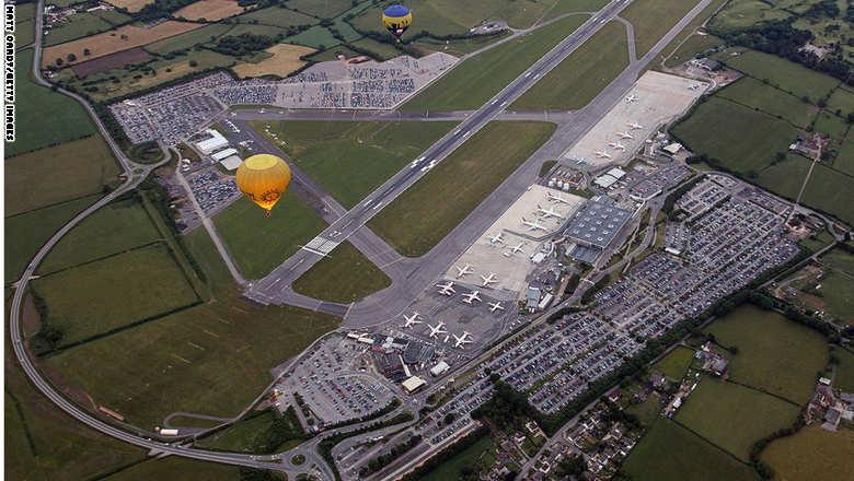مطار بريستول بالمملكة المتحدة