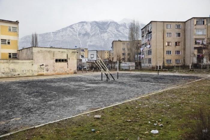 ملعب كرة سلة بألبانيا