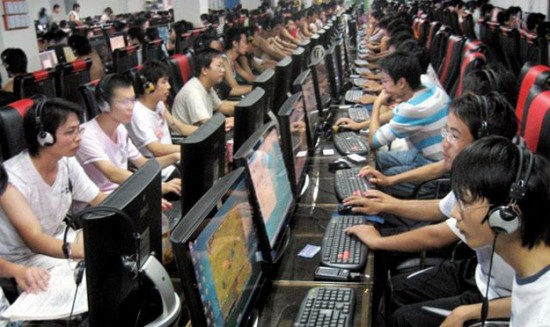 مدمنو الإنترنت الصين