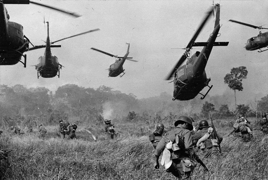 حرب فيتنام عام 1965م