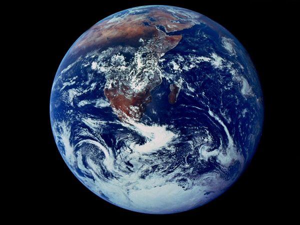 الأرض