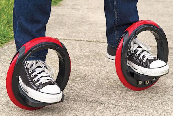 تصميم ابداعي للوح التزلج بعجلين مع منصات القدم