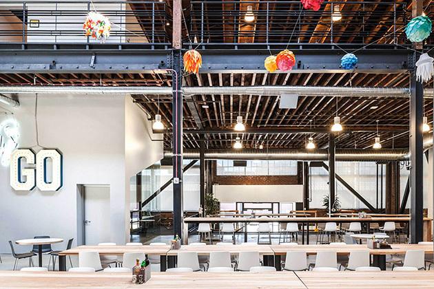 مكاتب بتصميم ابداعي