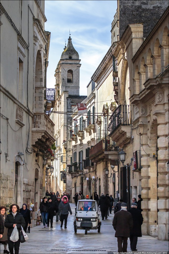 ألتامورا مدينة إيطالية تتمسك بطابع العصور القديمة