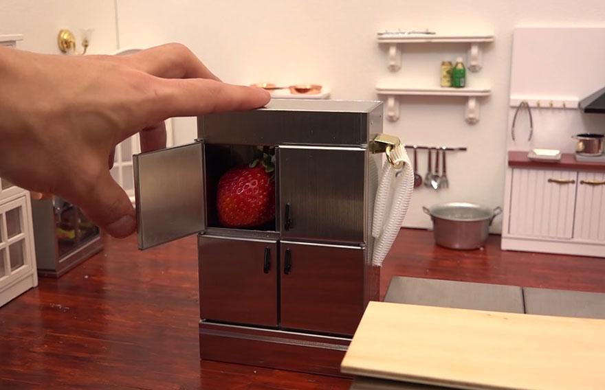 Tiny Strawberries