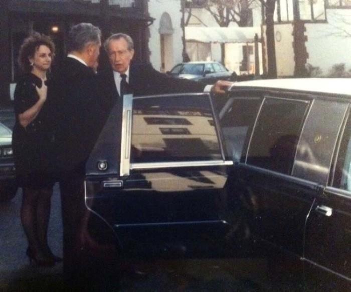 الرئيس الأمريكي يحضر حفل زفاف قبل وقت قليل من وفاته