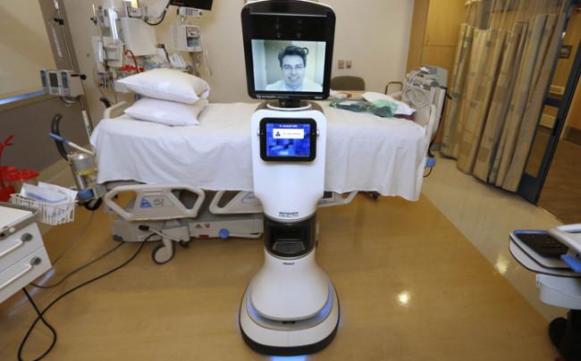 روبوت طبيب