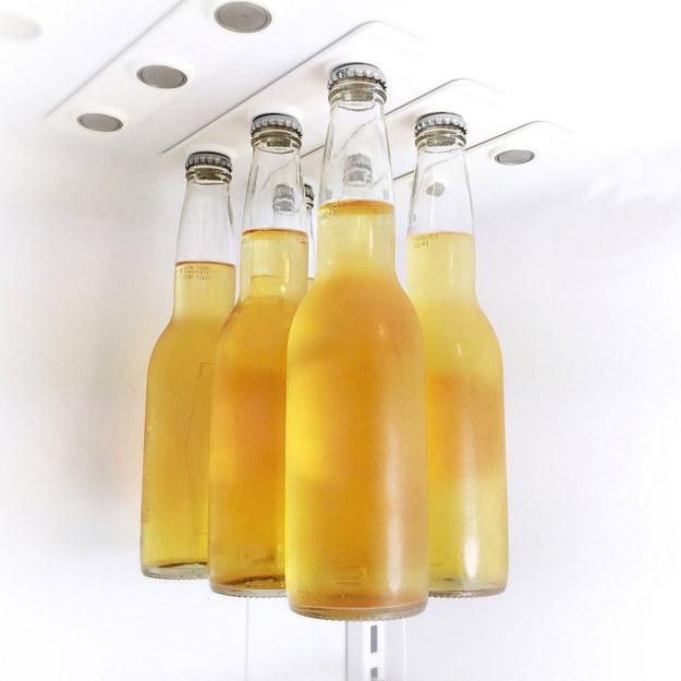 حامل مغناطيسي للزجاجات