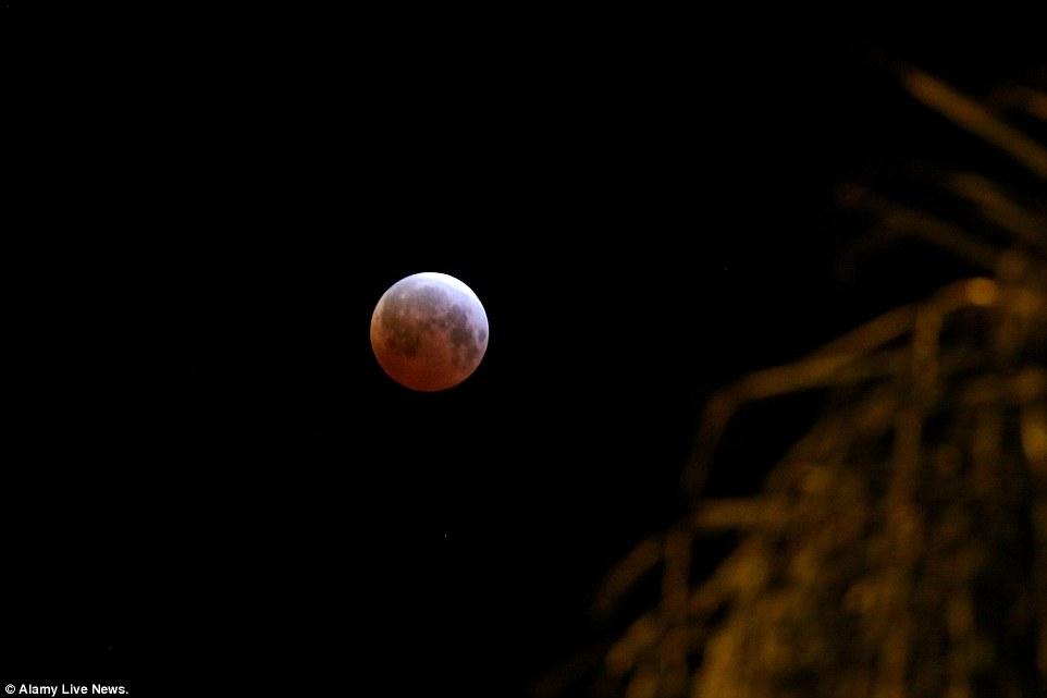 خسوف القمر 3
