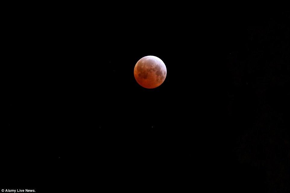 خسوف القمر 4