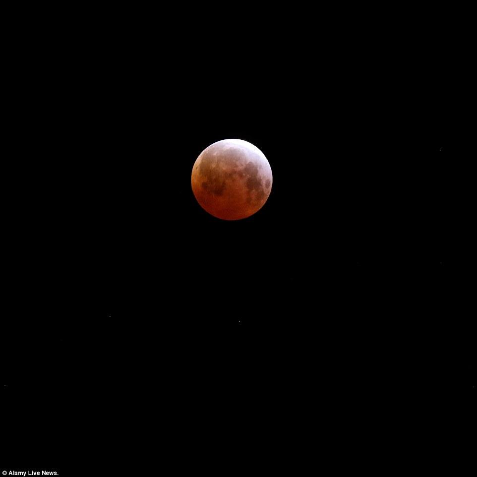 خسوف القمر 6