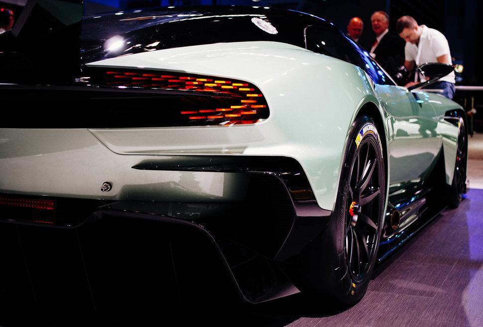 سيارة أستون مارتن Aston Martin Vulcan