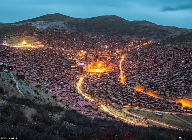 لارونج جار أكبر تجمع بوذي في العالم