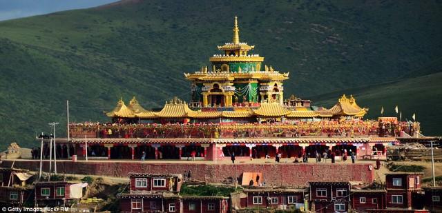 لارونج جار البوذية3