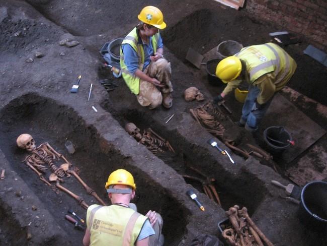 مقبرة غامضة تحت كامبريدج4