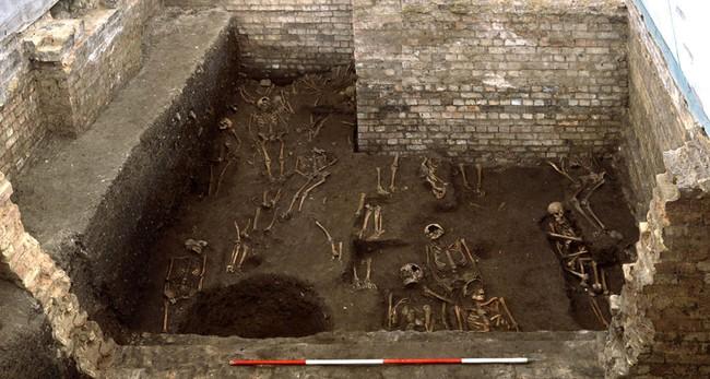 مقبرة غامضة في كامبريدج