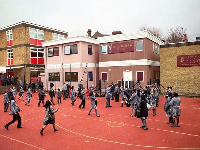 تصوير ملاعب المدارس في جميع أنحاء العالم