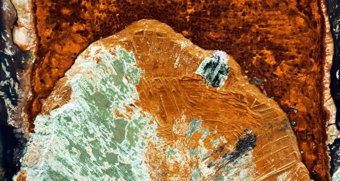 صور جوية لـ النفايات الكيميائية تغزو الطبيعة