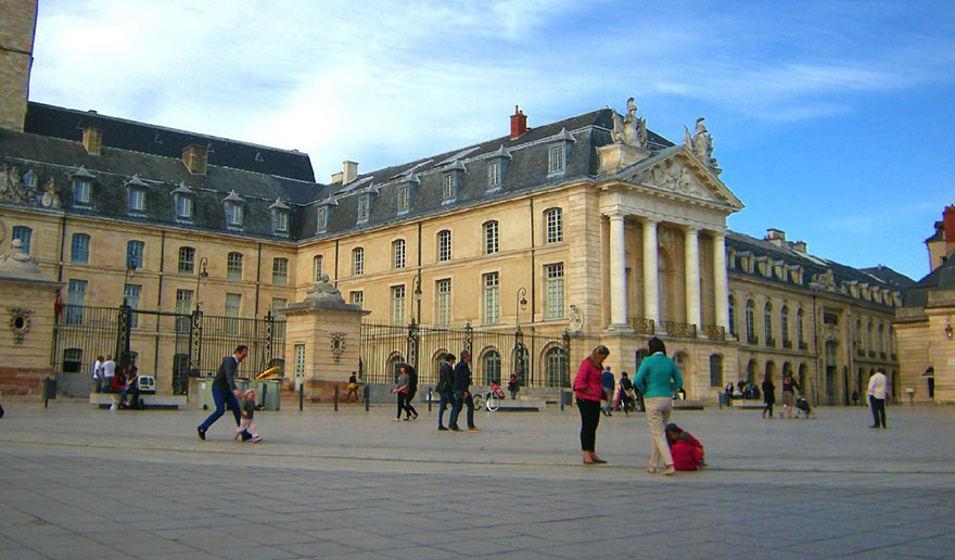 Palace of the Dukes of Burgundy 4