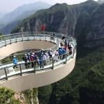 World's largest glass walkway opens China