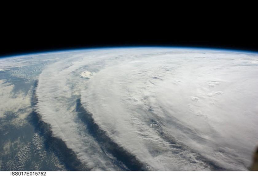 الطقس من الفضاء