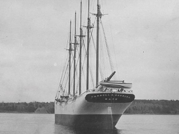 السفينة كارول ديرينج