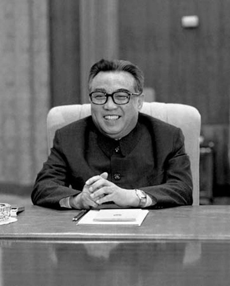 الحكام الديكتاتوريين كيم ايل سونغ