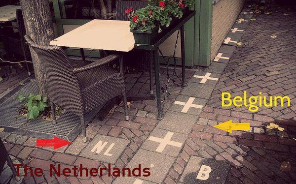 الحدود بين بلجيكا وهولندا عبارة عن قطعة سيراميك!