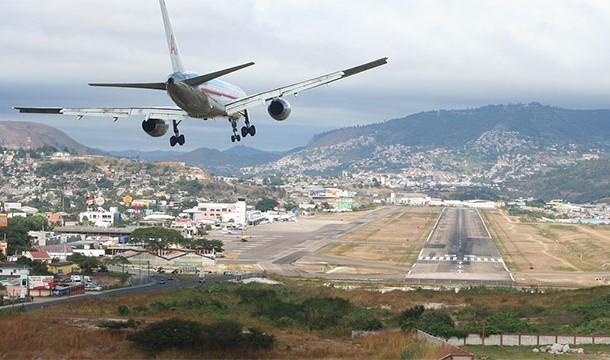مطار تونكونتين