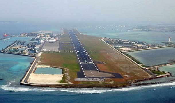 مطار مالي