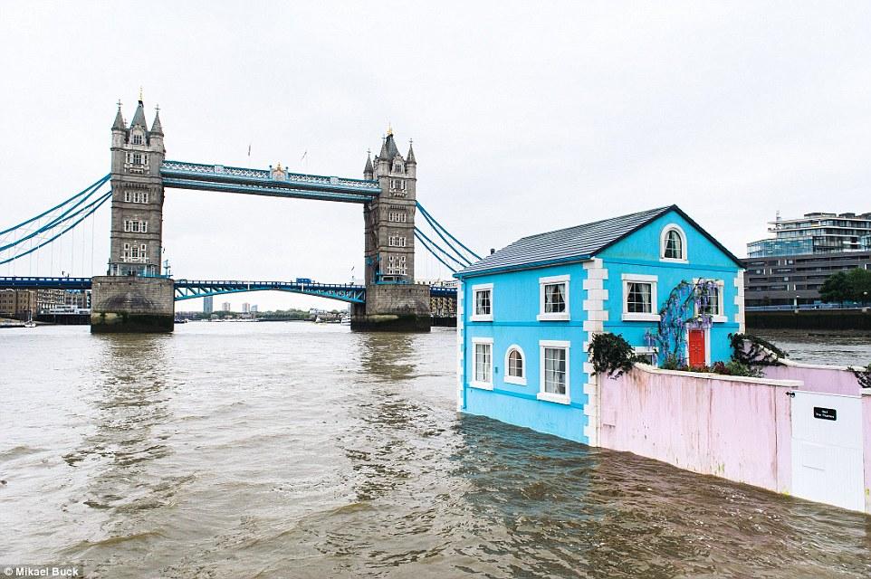 منزل ومركب في نفس الوقت