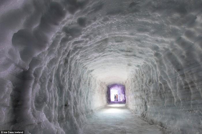 كهف جليدي من صنع الانسان
