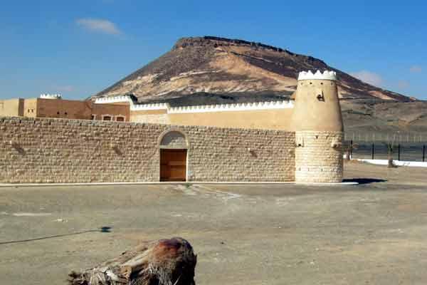 قصر كاف صرح معماري أثري في قرية كاف السعودية