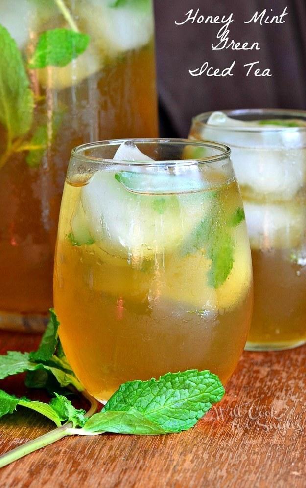 عسل النعناع الأخضر مع الشاي المثلج