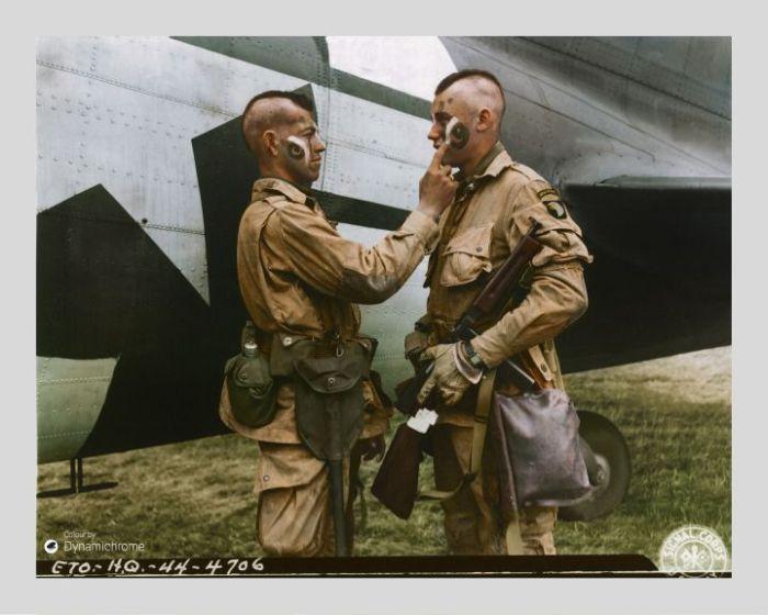 طلاء الحرب، (1944)