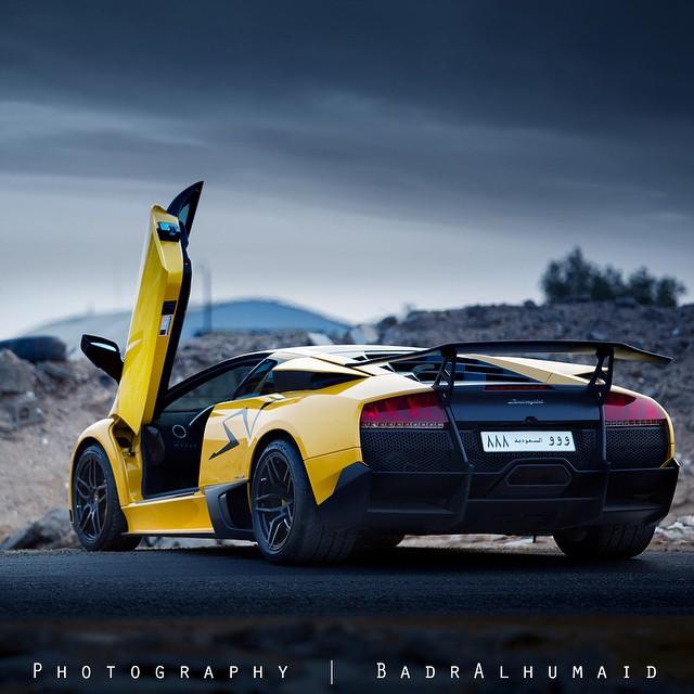 أفخم السيارات الرياضية بعدسة المصور السعودي بدر الحميد
